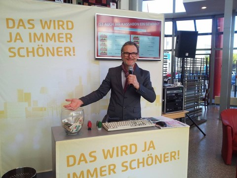 DJ SOL live bei Kika-Leiner