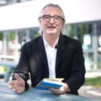 """2020-12-28 – Robert Sommer, Autor – Wiener Bezirksblatt und """"Wie man unverschämt, Reich und Berühmt wird"""""""